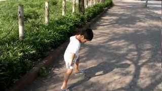 preview picture of video 'Rin at Van Quan Lake 2012May01.mp4'