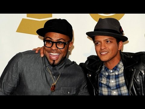 ET Remembers the Most Memorable GRAMMY Collaborations
