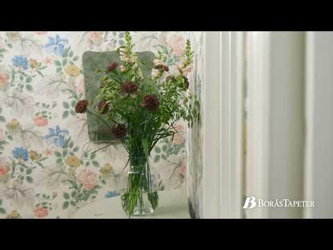 In Bloom floral wallpaper | Boråstapeter