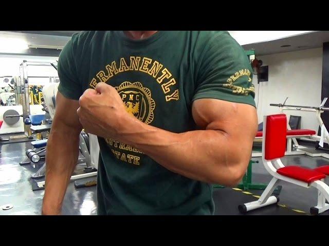 【筋トレ】たった11分で腕が強烈にパンプするトレーニング法をご紹介!