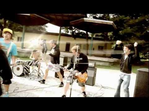 AM - AM - Sraženej ( Oficiální klip )