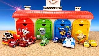 Щенячий патруль и СЮРПРИЗЫ с МАШИНКАМИ. Гараж дляавтобусов TOYO Учим ЦВЕТ с игрушками Colors