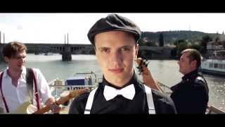 Artmosphere - Červenej nos (Official Video)
