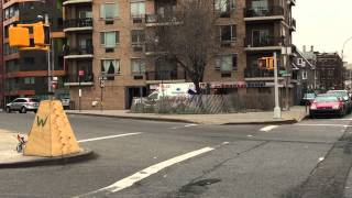 preview picture of video 'MAIMONIDES MEDICAL CENTER EMS AMBULANCE RESPONDING ON BEDFORD AVE. IN FLATBUSH, BROOKLYN, NEW YORK.'