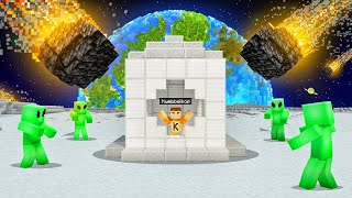 Building The BEST BASE To Survive In SPACE! (Minecraft)