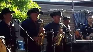 Los Compas del Pueblo en vivo - La Playa