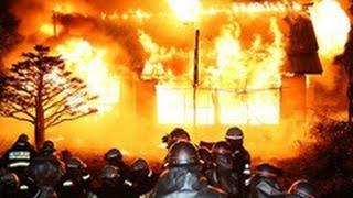 空き家で火災現場再現 市消防本部隊員ら160人、危険性を再認識 (2013/10/21)北海道新聞
