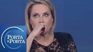 """Simona Ventura: """"La Paura Per Mio Figlio Mi Ha Cambiato La Vita"""" - Porta A Porta 26/02/2019"""