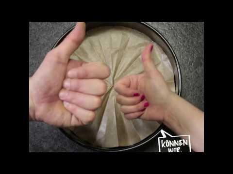 So schneidest du Backpapier für runde Tortenformen