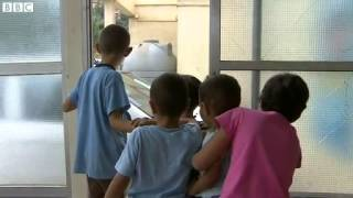 Syrian Child Refugees Try To Make A Living On The Streets