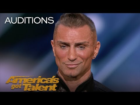 Aaron Crow: Pours Hot Wax On Eyes And Swings Sword At Howie Mandel - America's Got Talent 2018 (видео)