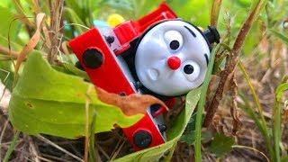 プラレール きかんしゃトーマス ジェームスとみつばちおいかけっこ貨車セット☆踏切やトンネルや信号、ケイトリンとじこはおこるさ☆スライム ビーズ Thomas&Friends Plarail TOY