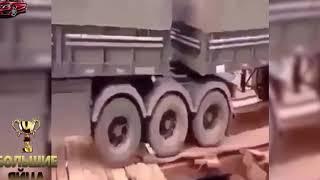 Жуткие ДТП грузовиков Подборка Аварии и ДТП 2016 Стопка самосвалов и водитель с