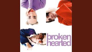 Kadr z teledysku brokenhearted (together) tekst piosenki joan & BEKA