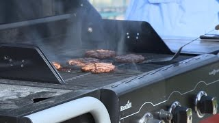 Charcoal or Gas? Testing Grills That Use Both | Consumer Reports