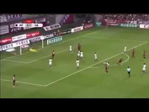 Le superbe but d'Iniesta avec Vissel Kobe