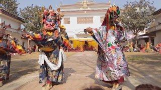 Кремация чиновника, храм Камасутры, король Мустанга и Тибетский Новый год. Непал. Мир наизнанку