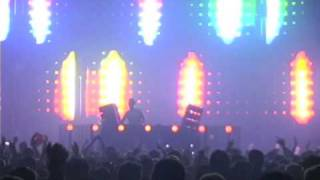 Three 6 Mafia - Feel It (Tiësto's Feel It On The Floor Remix)