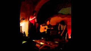 Video VaSaPo - cajon (Miloš Janata), kytara (Jirka Bednář), flétna (Kl