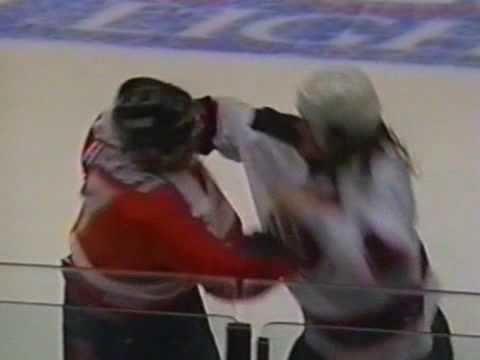 Jamie Huscroft vs Mike Peluso