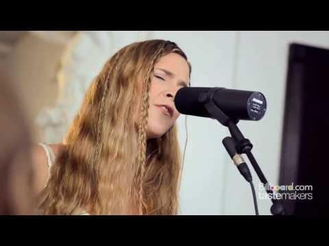 "Joss Stone - ""Teardrops"" Billboard Tastemakers Session"