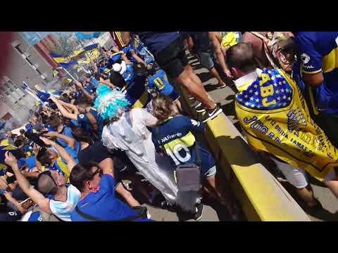 """""""Caravana de la 12 al camp nou"""" Barra: La 12 • Club: Boca Juniors • País: Argentina"""