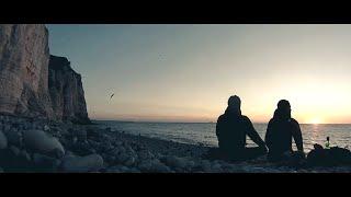 Video Peri Hanys - Roundabout (music video)