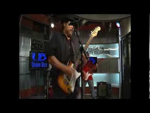 "Urban Bleu- ""Alley Cat"" Live"