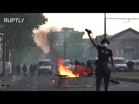 Chaos & tear gas | French protesters hold Black Lives Matter rally