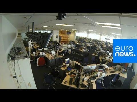 العرب اليوم - شاهد: زلزال عنيف يهز مباني طوكيو