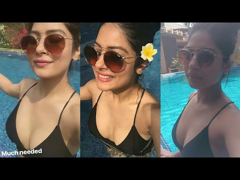 Hot Krishna Mukherjee Swimming pool Insta Story 👙
