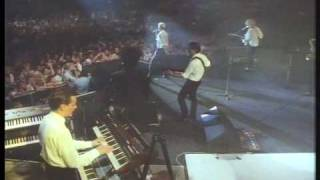 EURYTHMICS   Sweet Dreams (Are Made Of This) Live 1987