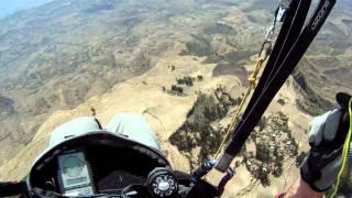 preview picture of video 'Parapente Ethiopie - Lalibela - Janvier 2011 - Décollage du plateau'