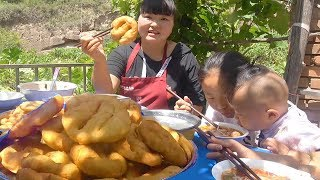 "Shaanxi's special ""oil cake"" is light and delicious, and the daughter said it is delicious!"