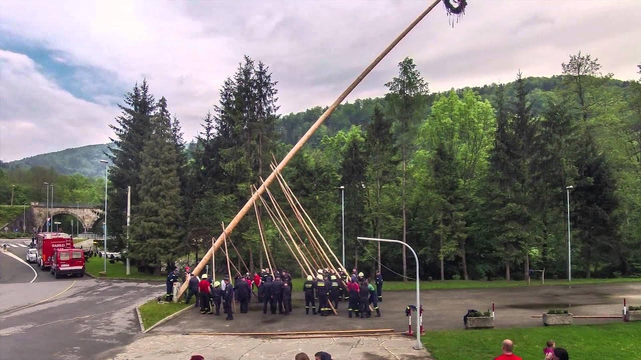 Postavtev majskega drevesa na Smolniku (time-lapse način) – 27. 4. 2014