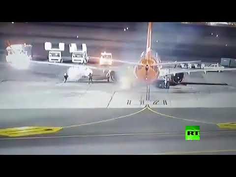 العرب اليوم - شاهد: احتراق عجلة طائرة وتصرف احترافي من الموظفين في شرم الشيخ