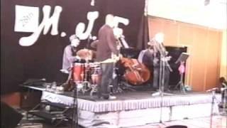 preview picture of video 'Margaret Morrison Qartet in Auditorium Merimbula Jazz Fest 7'