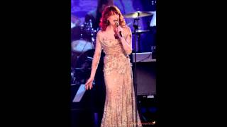 Florence Welch - Think (Grammy 2011 - Aretha Franklin Tribute)