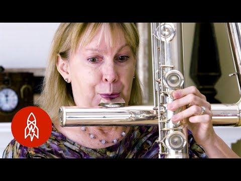 You Really Need to Pucker Up to Play this Huge Flute