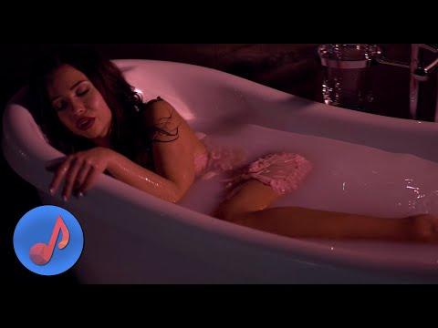 Leksa - Kiss me so hot [Новые Клипы 2019]