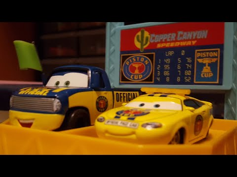 Disney Pixar Cars Dexter Hoover & Charlie Checker (Piston Cup Officials) Review