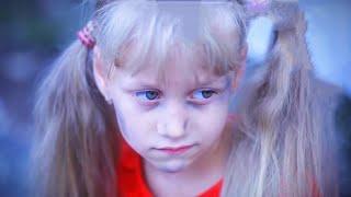 бедная девочка(((видео до слез смотреть всем