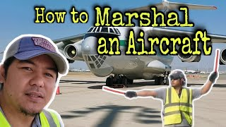 How To Marshall An Aircraft   AIRPORT RAMPMAN