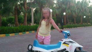 В Турцию прибыли врачи из Санкт-Петербурга, чтобы оценить состояние 12-летний девочки.
