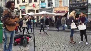 Bob Marley, No woman no cry (Vincent van Hessen) - Busking in the streets of Brussels, Belgium