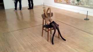 Смотреть онлайн Странная скульптура, которая стоит миллионы