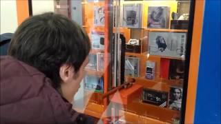 Димон и Иван против автомата-толкателя