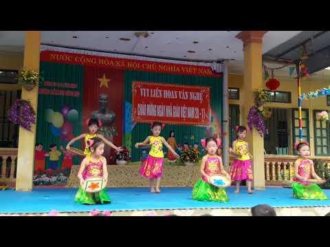 Lớp 5tC vui liên hoan văn nghệ chào mừng 20/11