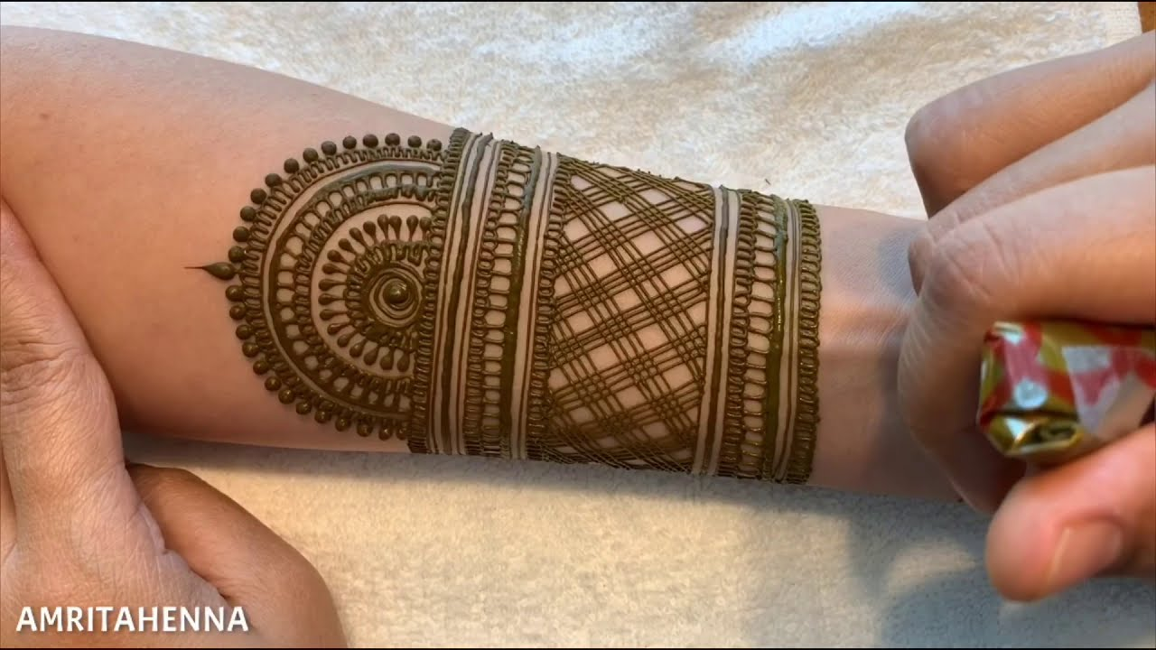 inspiring step by step bridal mehndi design for hands by amrita