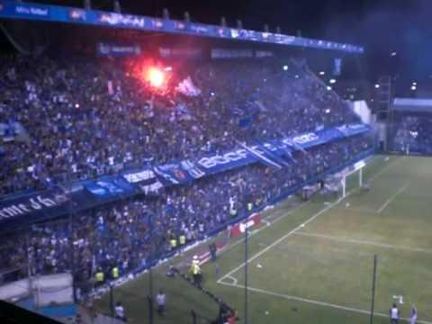 """Boca del Pozo EXPLOSION AZUL 2010 salee emelec.."" Barra: Boca del Pozo • Club: Emelec"